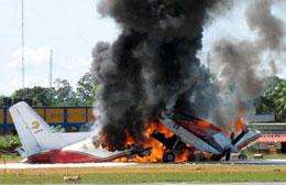 В Колумбии после посадки сгорел самолет Антонов-32