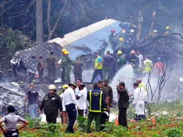 The debris of the crashed Boing 737 near Havana