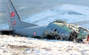 3 soldiers die after Turkish military training aircraft crashes in Isparta
