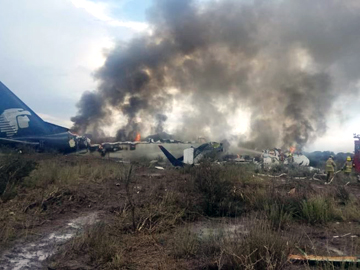 Plane crashes in Mexico, but miraculously all survive